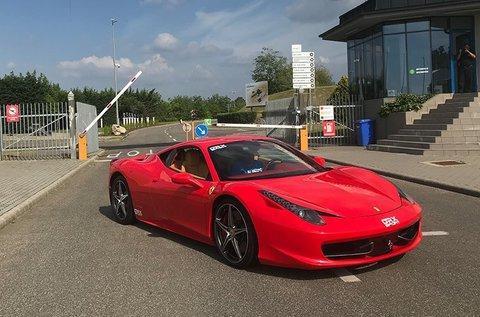 2 körös Ferrari 458 Italia 4.5 élményvezetés