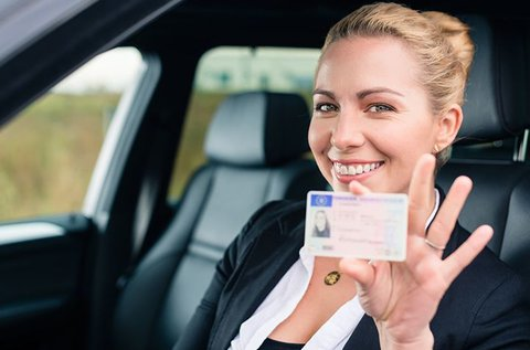Teljes B-kategóriás jogosítvány