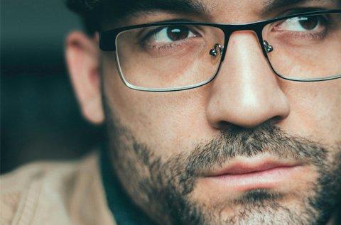 1 db komplett szemüveg készítése divatos kerettel