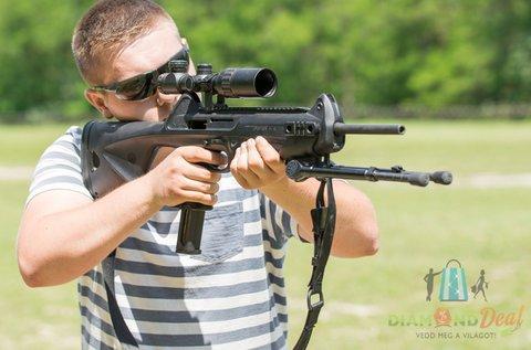 100 lövés választható 9 mm-es fegyverekkel