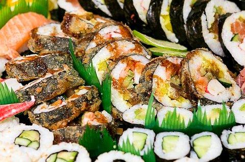 Mr. Big 64 db-os sushi menü 4 főre makival, nigirivel