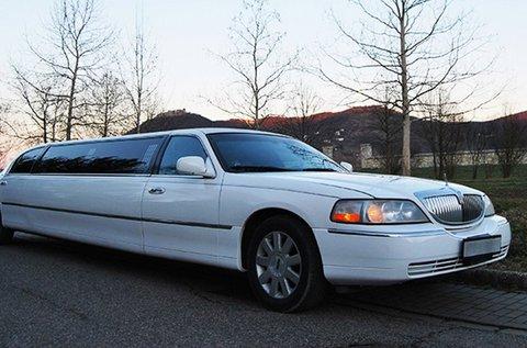 1 órás Lincoln Town Car limuzinbérlés
