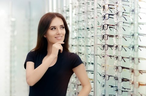 Komplett szemüveg készítése kerettel