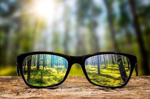 Normál karcmentes szemüveg divatos kerettel