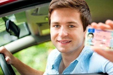 Komplett jogosítvány csomag 30 óra vezetéssel