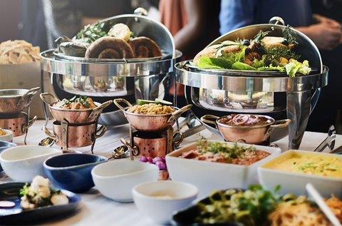 Svédasztalos ebéd korlátlan ételfogyasztással