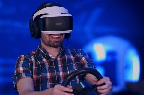 Virtual Reality szimulátoros autóversenyzés