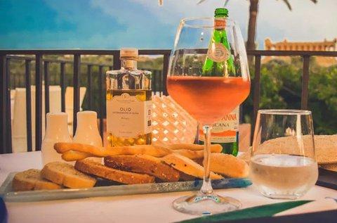 Szicíliai főzőklub bor- és olívakóstolóval