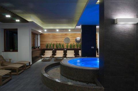4 csillagos feltöltődés Sárváron fürdőbelépővel