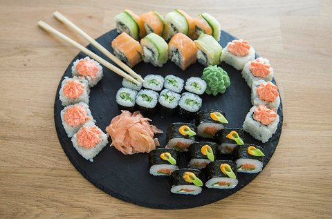 32 db-os aranyhal szett sushi válogatás
