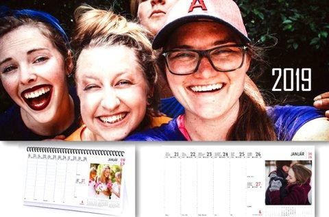 Egyedi asztali naptár 54 db saját fényképpel