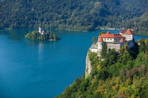 3 napos feltöltődés kaszinó belépővel a Bledi-tónál
