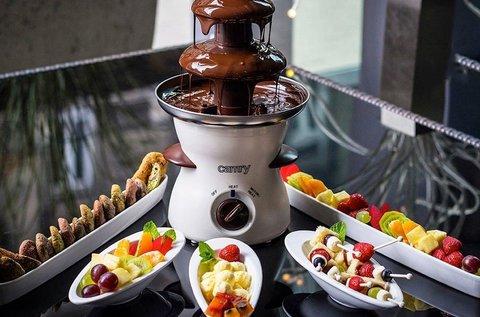 Csokiszökőkút házi készítésű finomságokkal