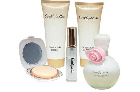 5 részes női parfüm szett díszdobozban