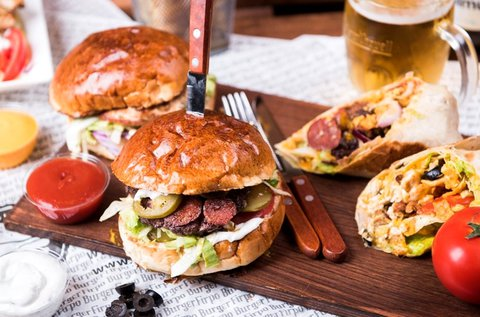 Á la carte burgerezés 2 fő részére italfogyasztással