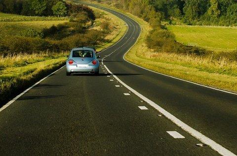 B kategóriás jogosítvány 30 óra vezetéssel