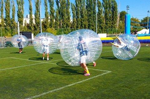 Szórakoztató buborékfoci játék 8-16 főnek