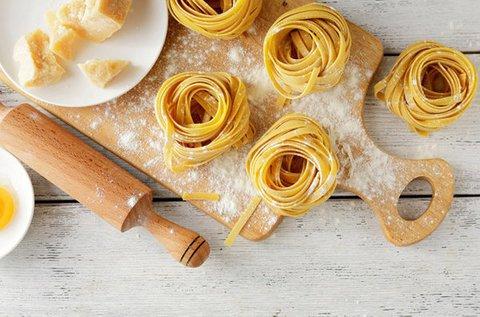 Tradicionális olasz pasta fresca készítés