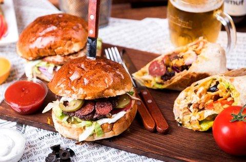 Finom hamburgerek és kézműves sörök 2 főre