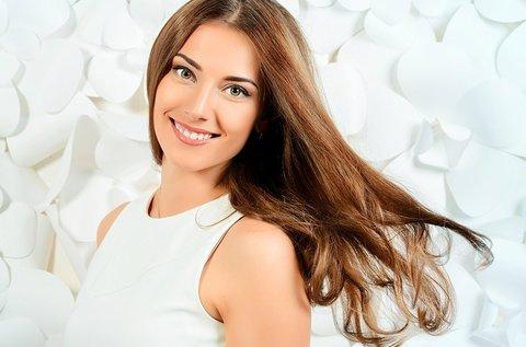 Egészséges és életteli haj frissítő vágással