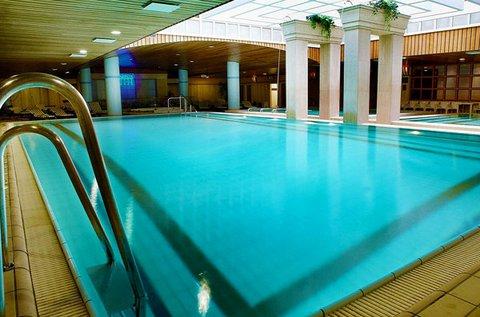 Reggeli úszó belépőjegy az Aquincum Hotelbe