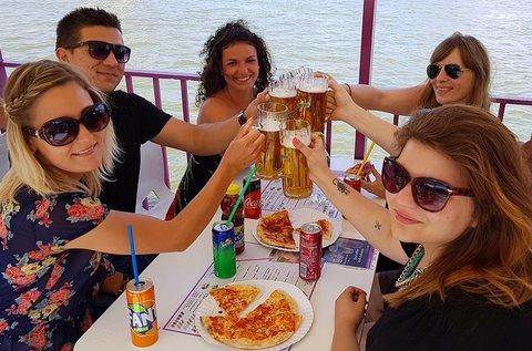 Városnéző sétahajózás a Dunán pizzával és sörrel