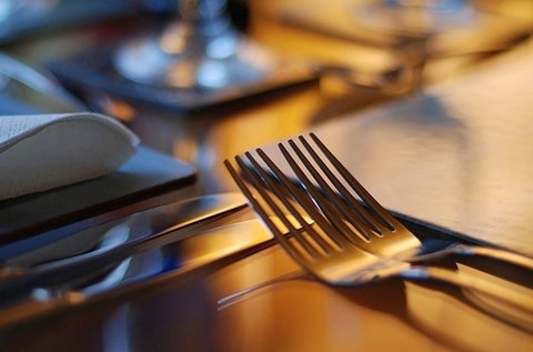 Rejtélyes Vacsora 2 órás logikai társasjáték
